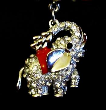 Diamante elephant pendant red