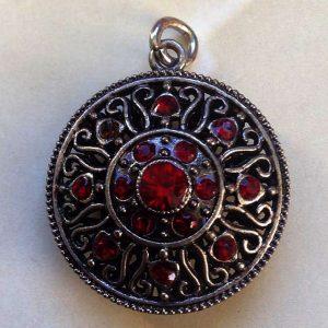 IlluminEssence-baroque-round-red