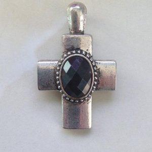 IlluminEssence-square-cross-pendant-black